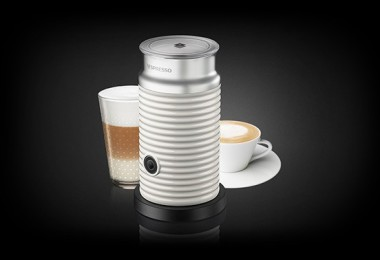 aeroccino-milk-frother-white-accessories-684x378